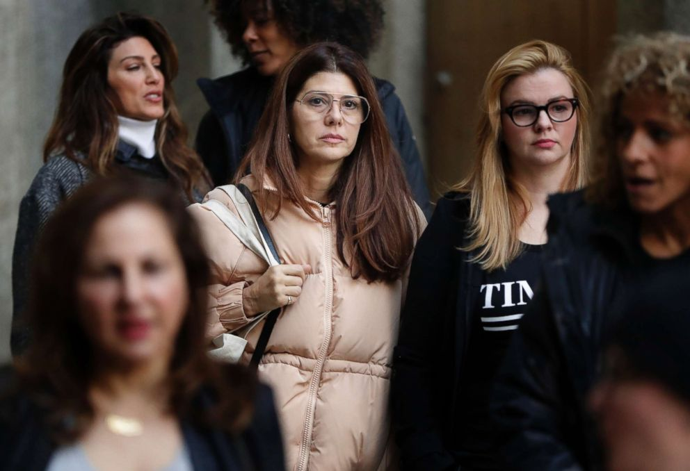 PHOTO: Marisa Tomei, center, leaves New York Supreme Court after attending a hearing in the Harvey Weinstein sexual assault case, , Dec. 20, 2018, in New York.