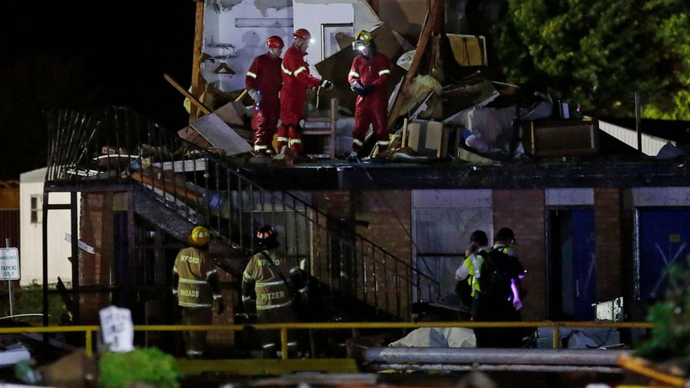 2 dead, 29 hurt as tornado destroys hotel, trailer park in Oklahoma thumbnail