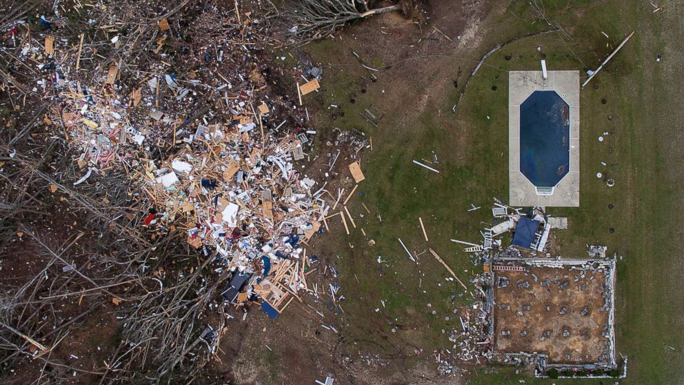 At least 23 killed, including 3 children, as tornadoes devastate Alabama town: 'Like a bomb went off' thumbnail