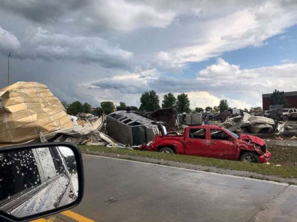 Tornadoes sweep through USA  state of Iowa