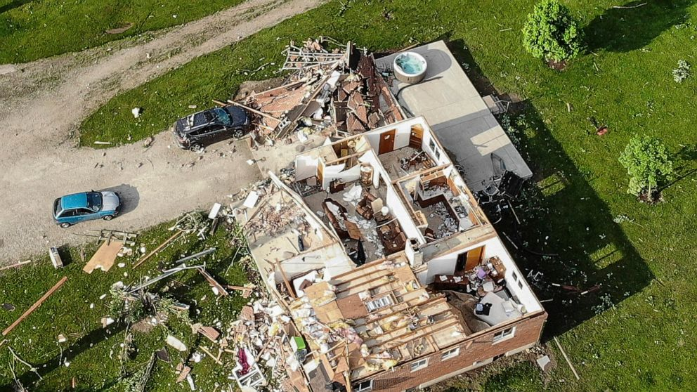 80,000 without power, but no deaths reported from Ohio tornado