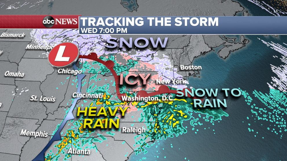 PHOTO: Tracking the storm