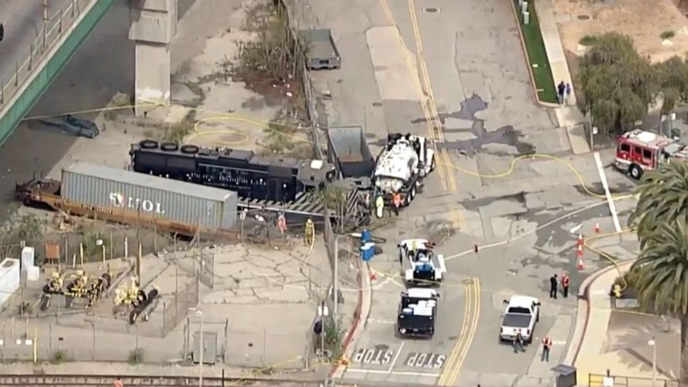 Engineer tried to crash train into USNS Mercy in Los Angeles: Feds