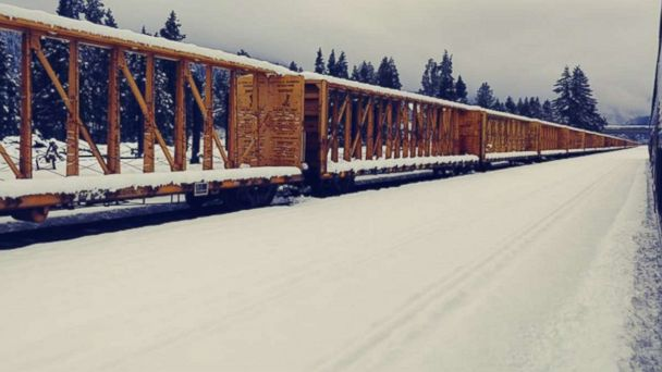 Rescue underway for 183 Amtrak passengers stranded in Oregon