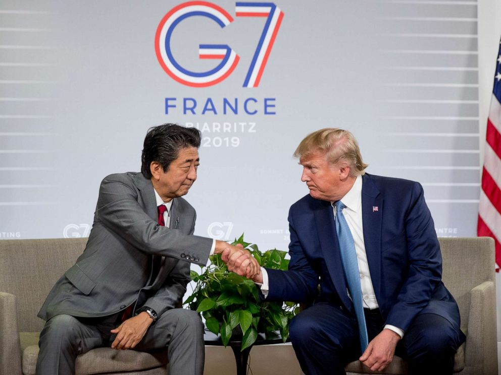 PHOTO:Japanese Prime Minister Shinzo Abe and President Donald Trump shake hands during a news conference at the G-7 summit in Biarritz, France, Aug. 25, 2019.