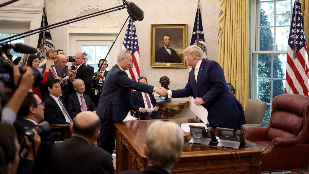 Trump akan mengumumkan AS-China 'fase 1' kesepakatan perdagangan, tarif gencatan senjata