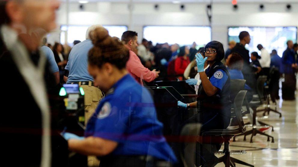 TSA expects record-breaking 26.8 million Thanksgiving travelers thumbnail