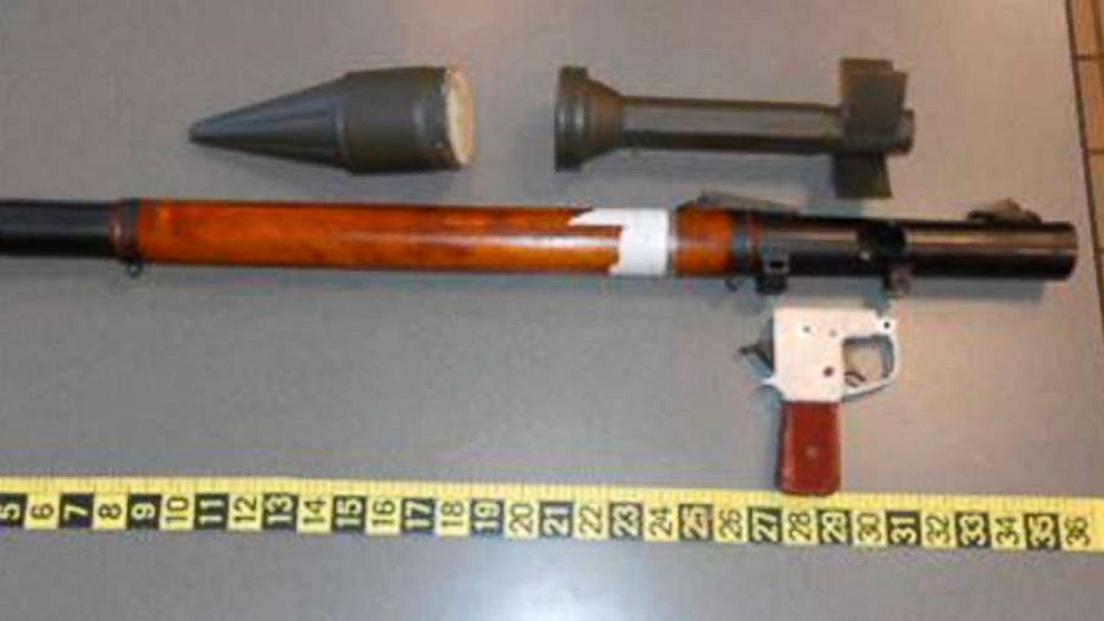 TSA confiscates rocket-propelled grenade launcher at airport thumbnail