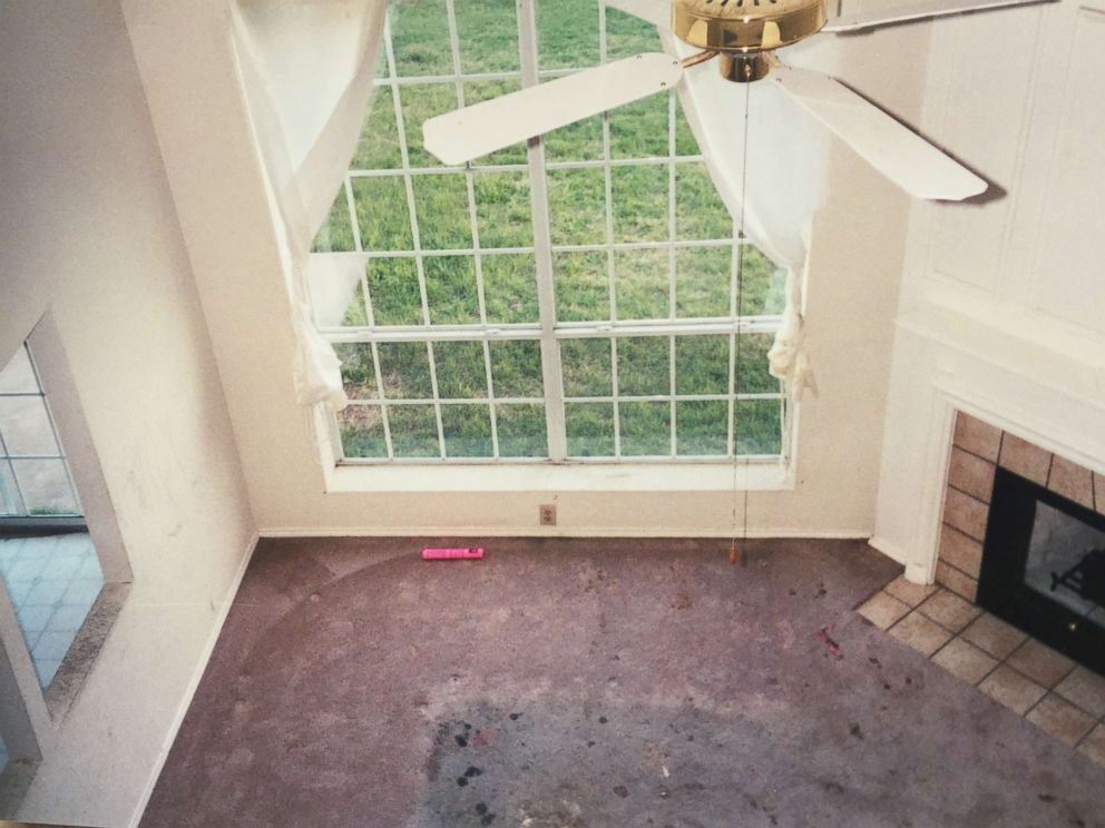 PHOTO: The current owner of the Fort Worth home where the Turpins lived with their now-adult children shows a filthy interior when they bought it 18 years ago.