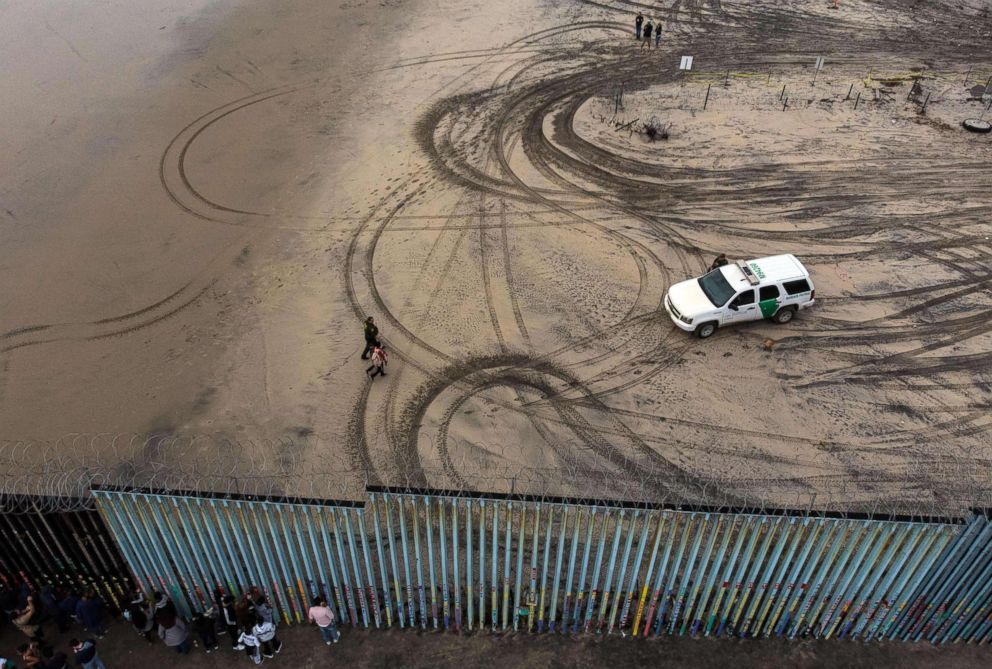 Guatemalan girl aged seven dies in custody on US-Mexican border