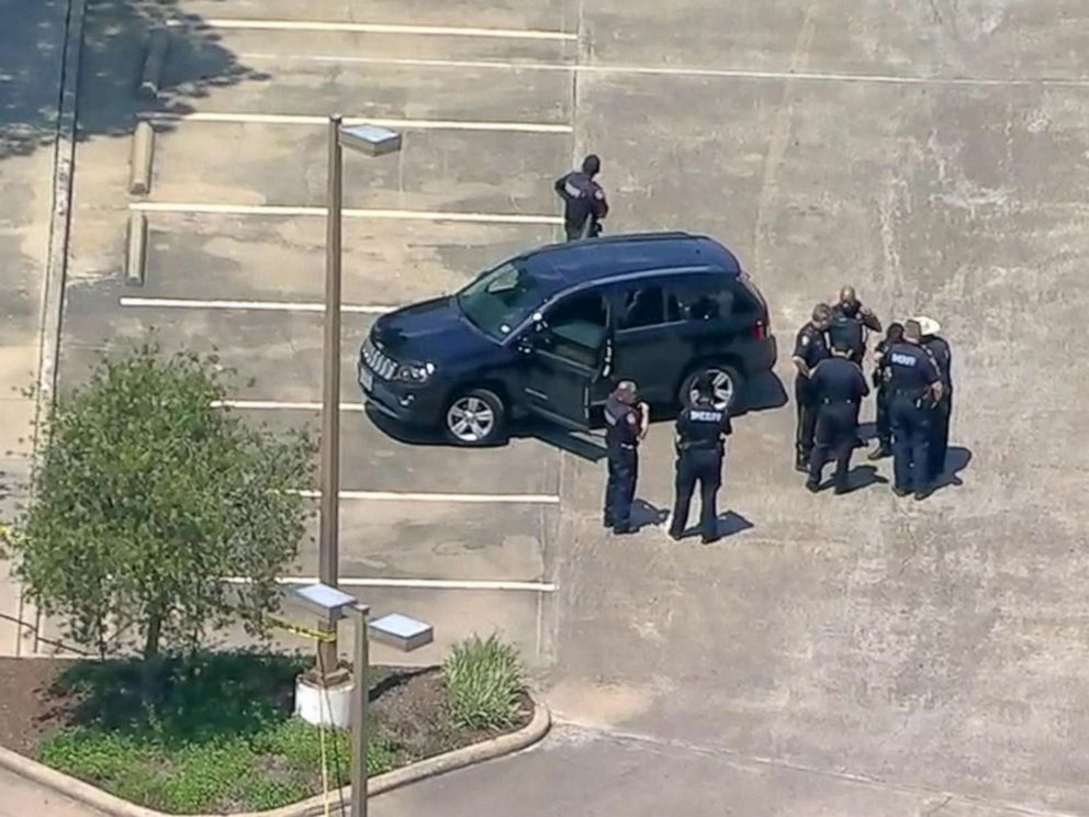 PHOTO: Police respond to a shooting in Harris County, Texas, April 26, 2019.