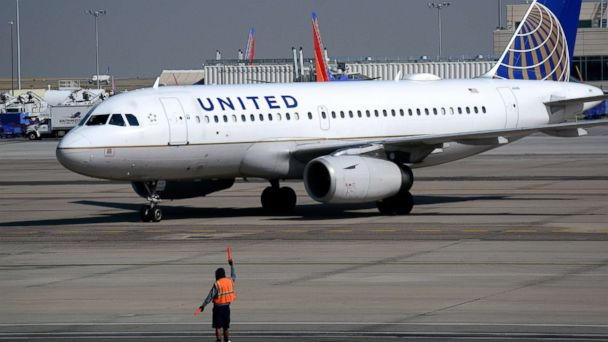 United Airlines flight diverted to Texas airport after cockpit screens went blank