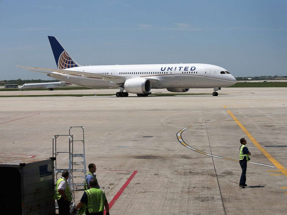 PHOTO: A United Airlines Boeing 787 Dreamliner taxis to a gate at OHare International Airport after taking off from Houston, May 20, 2013 in Chicago.