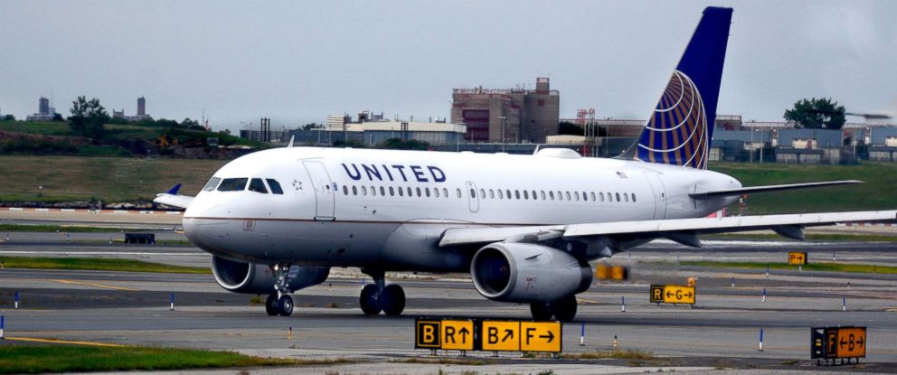 PHOTO: A United Airlines Airbus passenger jet taxis at LaGuardia Airport in New York, in this Sept. 21, 2017 file photo.