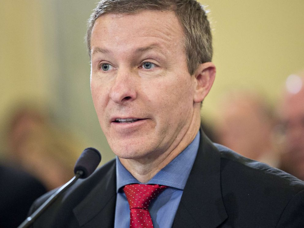 PHOTO: Scott Kirby, president of United Continental Holdings Inc., speaks during a Senate hearing in Washington, D.C. on May 4, 2017.