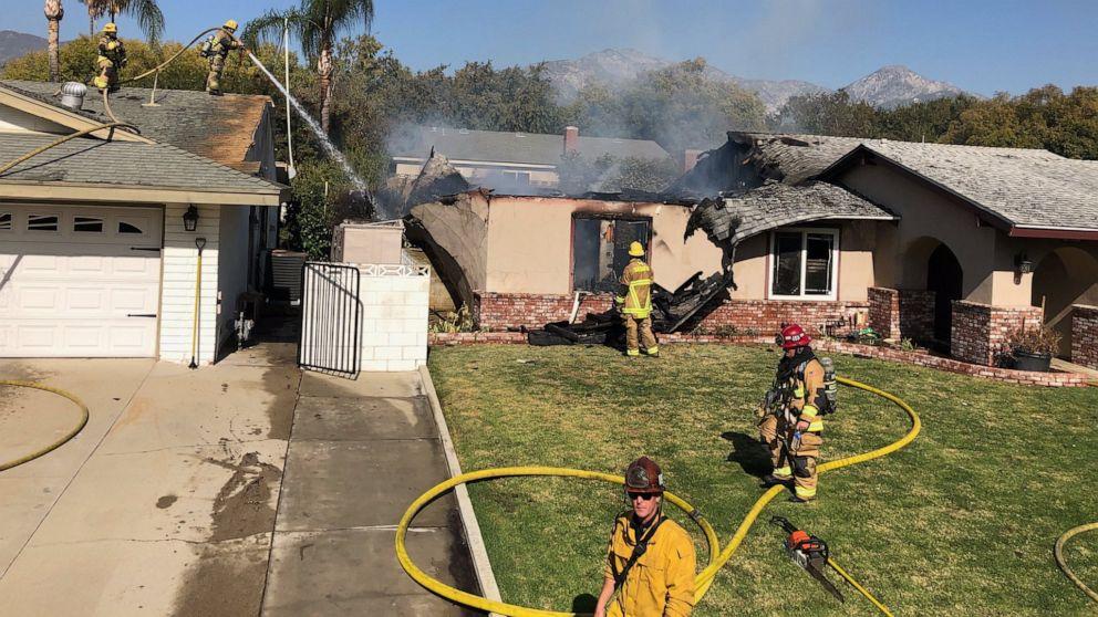 Kecelakaan pesawat ke California Selatan rumah, menewaskan pilot
