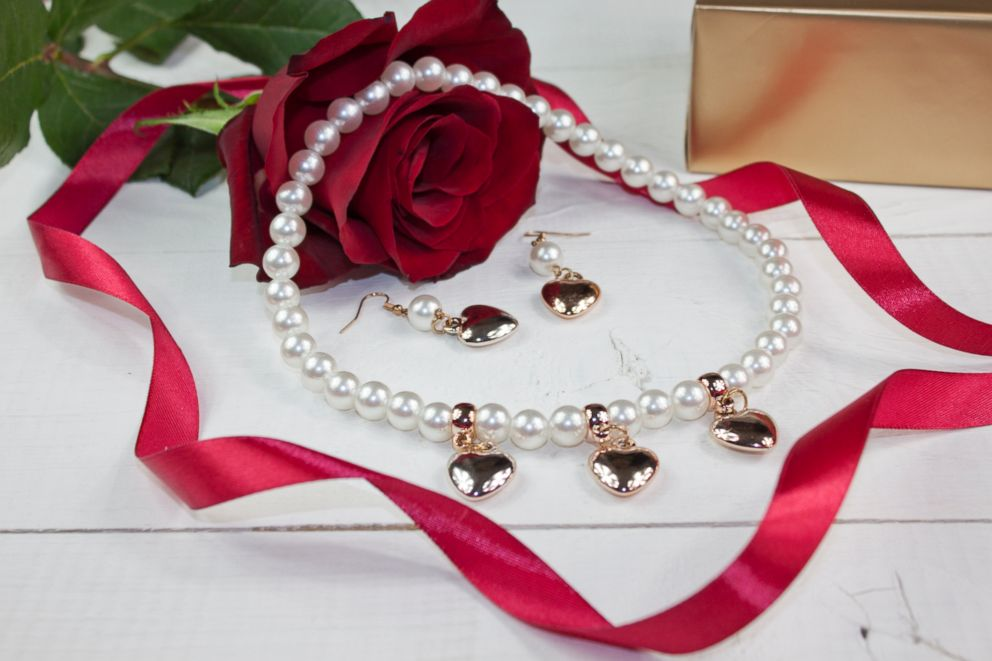 PHOTO: Pearl necklace and earrings can be a traditional gift for Valentines Day.