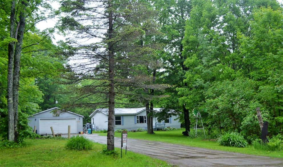 PHOTO: The home of murder suspect Raymand Vannieuwenhoven, located on the southeast corner of Lakewood in northern Oconto County.