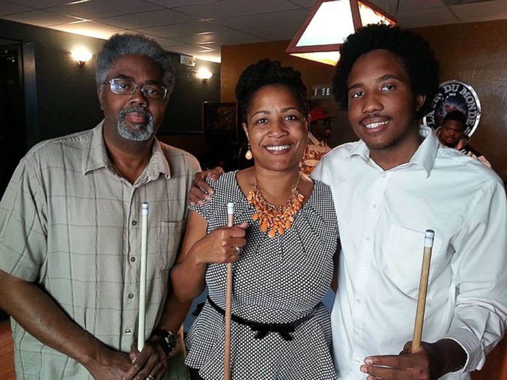 PHOTO: Victor McElhaney, right, is pictured with his father Clarence and mother, Councilmember Lynette McElhaney, in a photo released by his mother with a statement about his murder, March 10, 2019.