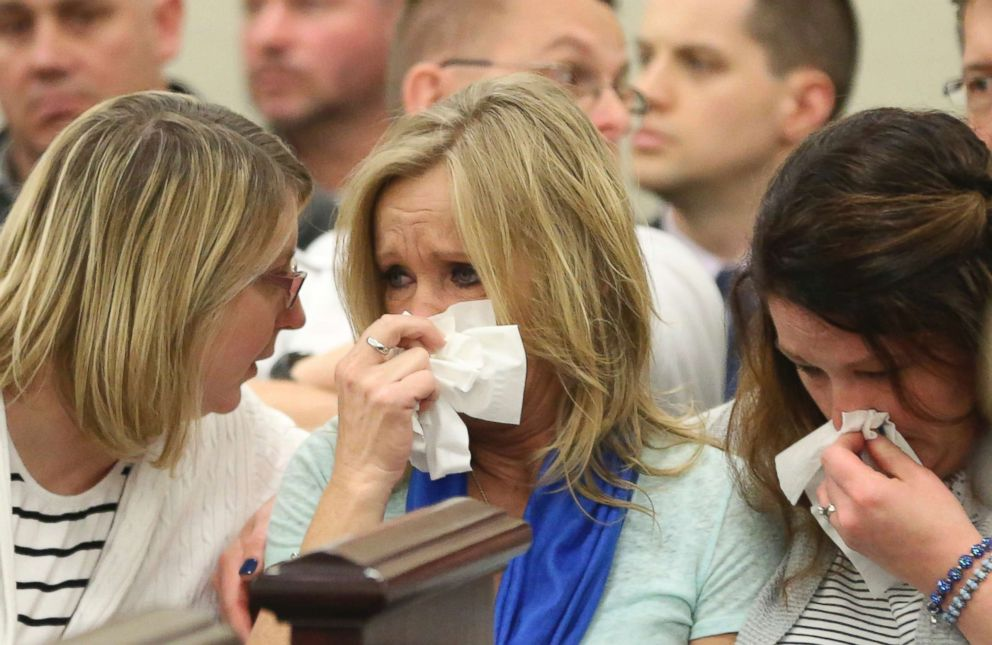 PHOTO: Tammy Weeks, center, mother of victim Nicole Lovell, reacts to the no contest plea of David Eisenhauer during a hearing in Montgomery County Circuit Court in Christiansburg, Va., Feb. 9 2018.