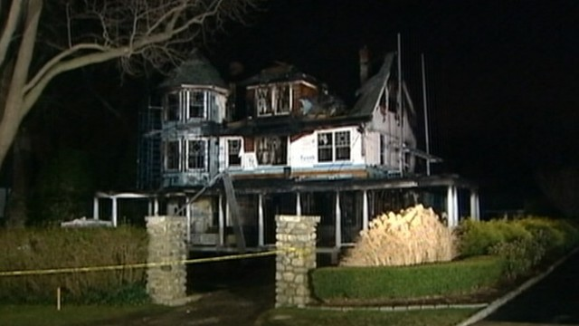 Christmas In Connecticut House.Mom Who Survived Connecticut Christmas Fire Attempted