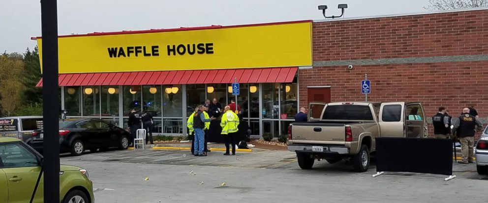 PHOTO: Metro Nashville Police Department experts investigate the scene of a shooting at a Waffle House near Nashville, Tenn., April 22, 2018.