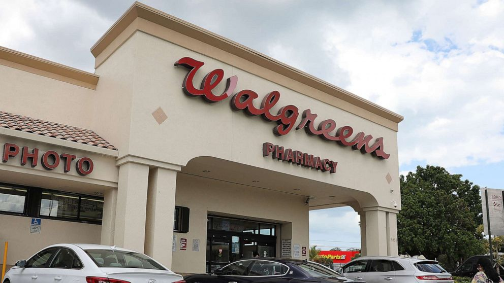 Walgreens raises minimum age to buy tobacco to 21