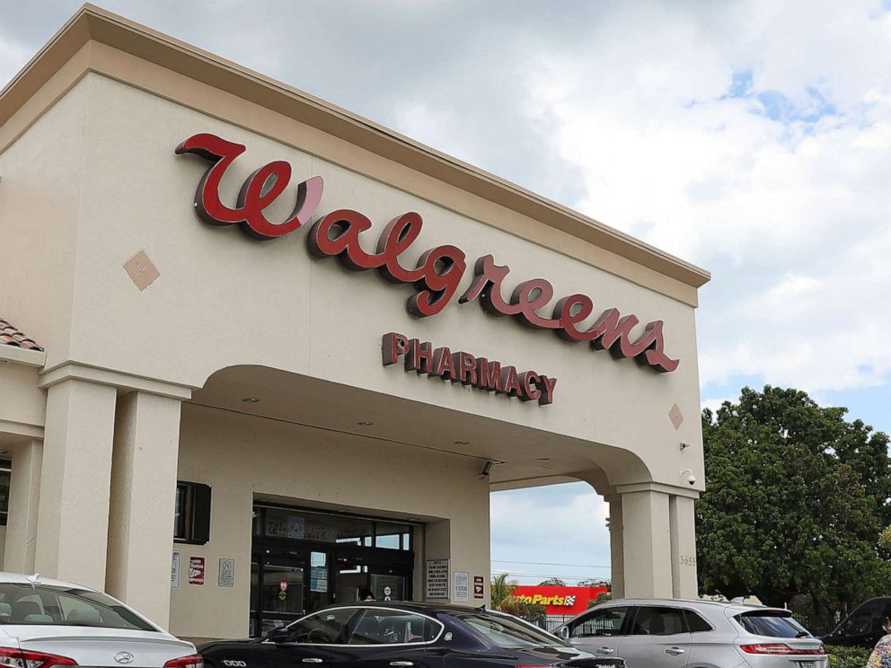 Walgreens to hike minimum age for store tobacco sales nationwide
