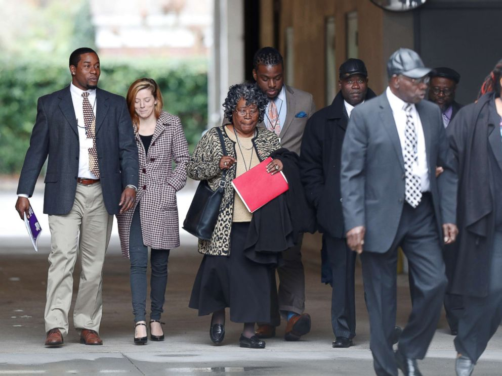 PHOTO: The family of Walter Scott arrives at the Charleston federal court house building for the 4th day of testimony during the sentencing hearing for former North Charleston police officer Michael Slager in Charleston, S.C, Dec. 7, 2017.