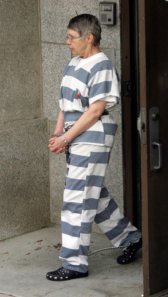 PHOTO: In this Nov. 18, 2010, file photo, Wanda Barzee, estranged wife of Brian David Mitchell leaves court in Salt Lake City, Utah.