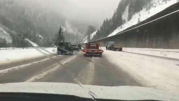 https://s.abcnews.com/images/US/wash-snow-komo-mo-20181212_hpMain_16x9_608.jpg