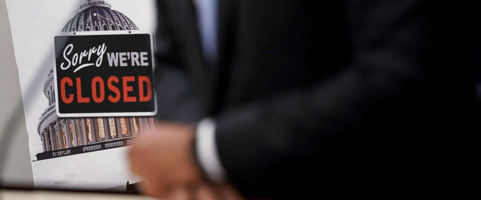 "PHOTO: A ""Closed"" sign is seen during a news conference after a House Democratic Caucus meeting at the U.S. Capitol, Jan. 9, 2019, in Washington, D.C."