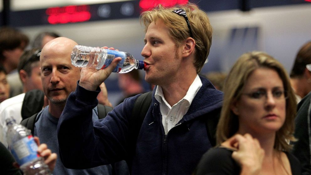 San Francisco International Airport bans sale of small plastic water bottles thumbnail