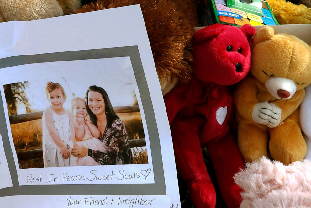 PHOTO: A photograph of Shanann Watts and her daughters, Bella, 4, left, and Celeste, 3, is shown at a makeshift memorial in Frederick, Colo., Aug. 16, 2018.