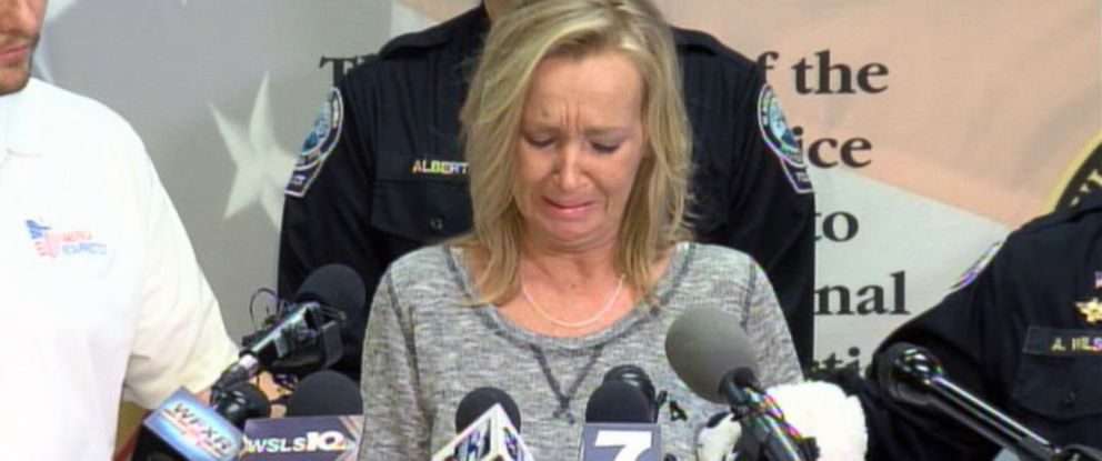 PHOTO: Tammy Weeks, the mother of slain 13-year-old Nicole Lovell, cries during a press conference in Blacksburg, Va., Feb. 2, 2016.