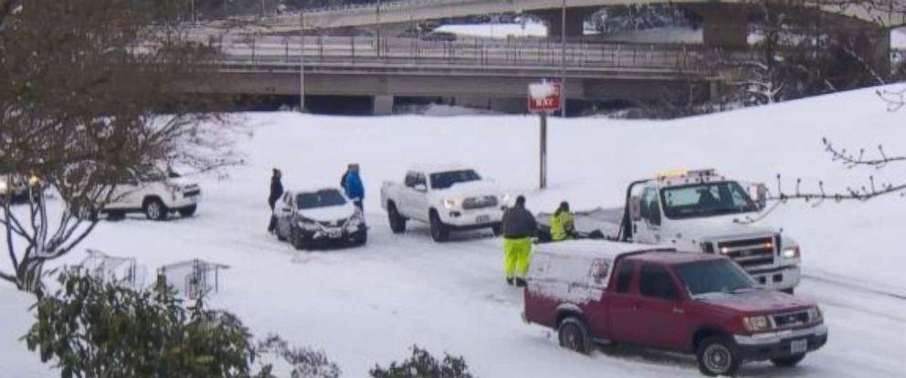 Snow in Portland, Oregon, stranded motorists.