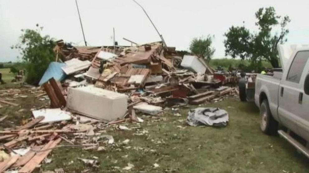 Violent, long-lasting tornadoes threaten Oklahoma, Texas thumbnail
