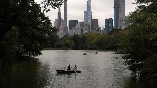 https://s.abcnews.com/images/US/weather-us-central-park-gty-ps-181018_hpMain_16x9_608.jpg