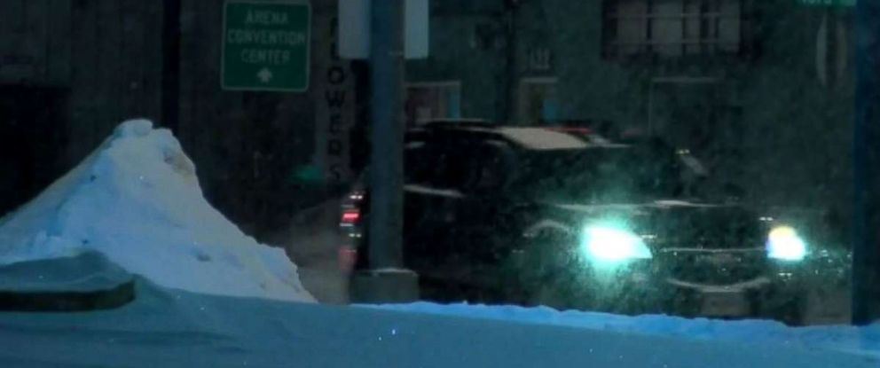 Residents of Sioux Falls, S.D., are expecting another 2-4 inches of snow to blanket the area heading into Friday morning.