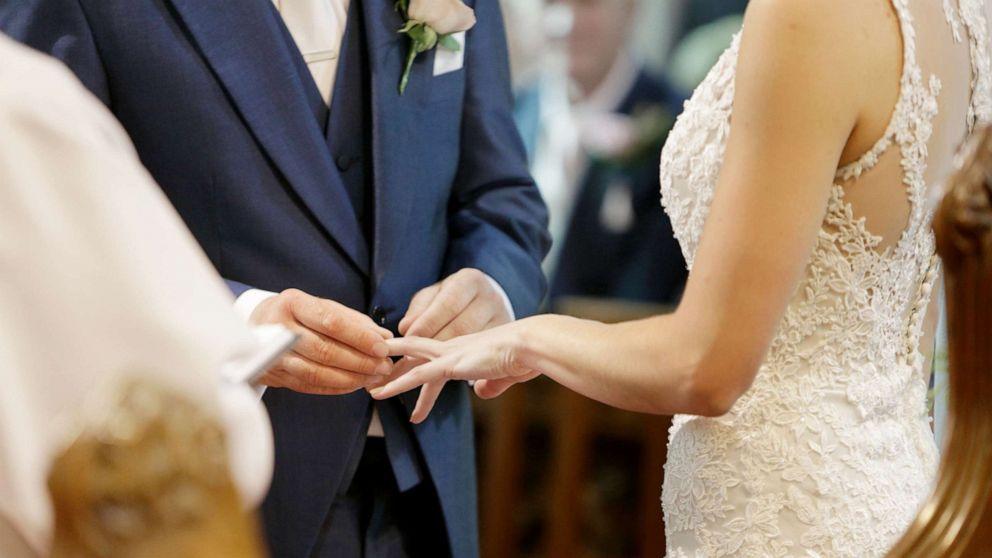 Manusia terbaik dan penyebaran ditunda kejutan di hari pernikahan