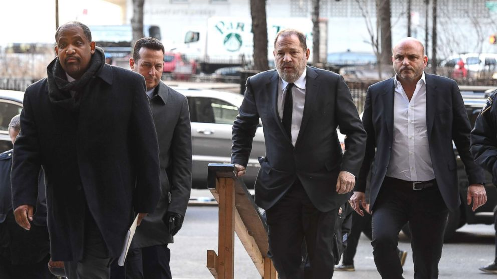 Harvey Weinstein arrives State Supreme Court in Manhattan with his new team of lawyers Jose Baez (2nd L), Ronald Sullivan (L) in N.Y., Jan. 25, 2019.