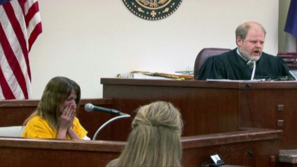 PHOTO: Michele Williams is seen crying while on the stand at her trial for her husband Gregg Williams murder.
