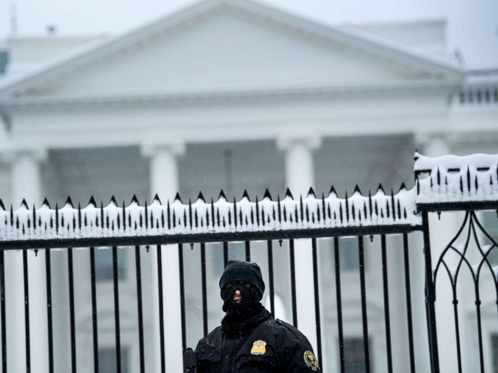 FBI arrests man it says planned to attack White House