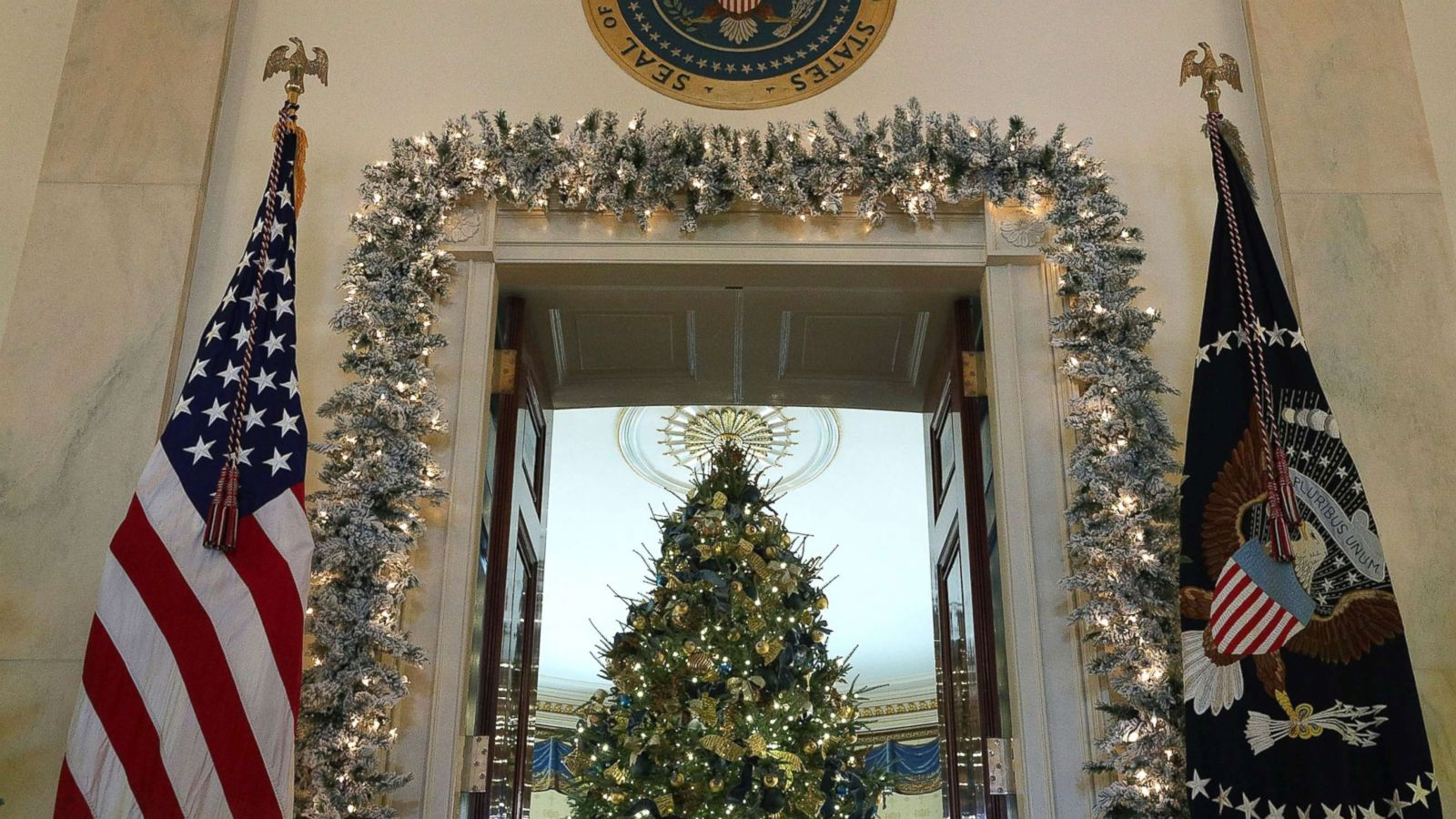 white house reveals 2017 christmas decorations abc news - White House Christmas Decorations