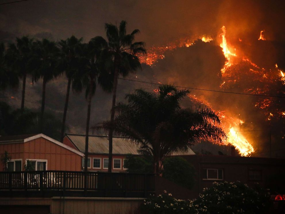 Fires California Map >> Celebrities are among the thousands evacuated in Southern California wildfires - ABC News