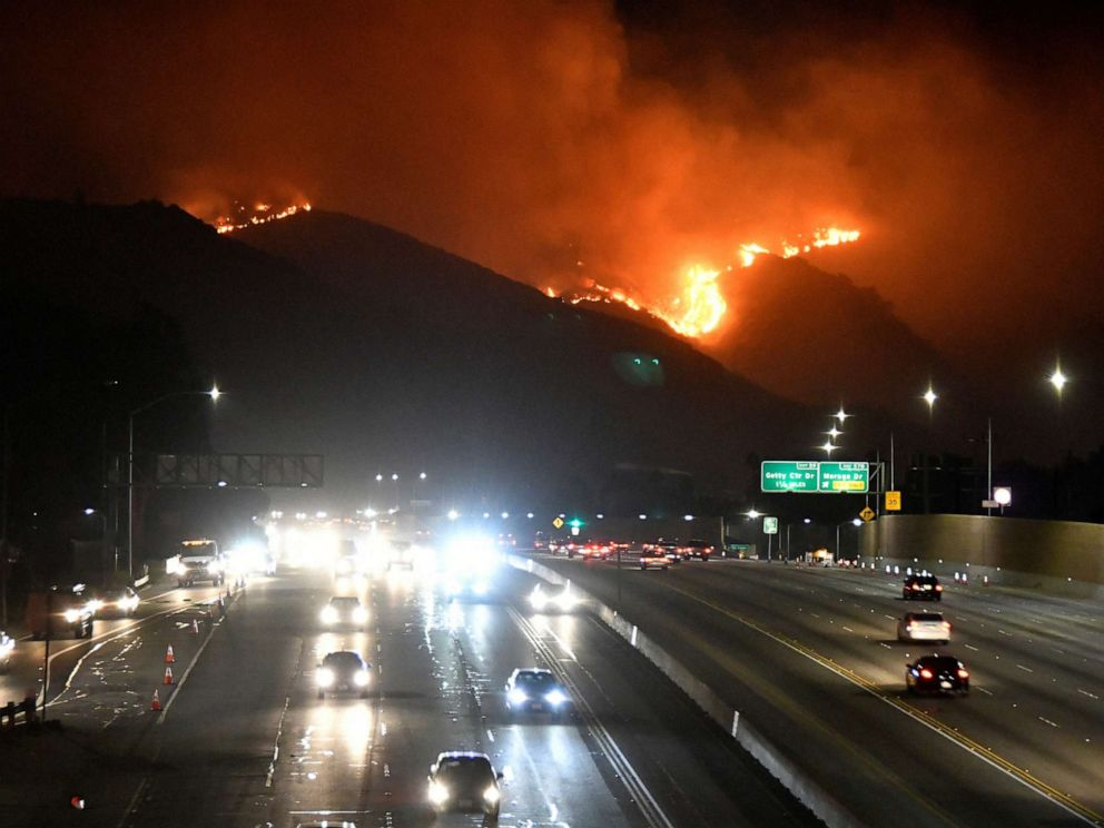 PHOTO: The Getty Fire burns next to the 405 freeway in the hills of West Los Angeles, Calif. Oct. 28, 2019.