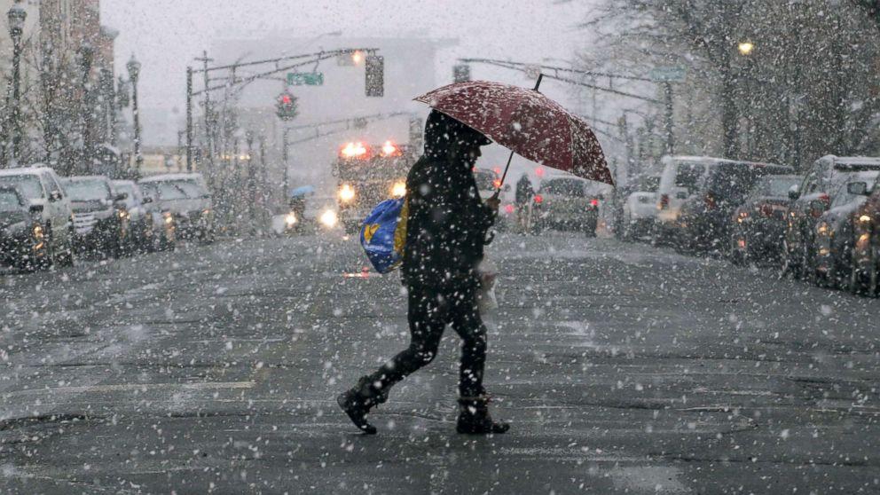 https://s.abcnews.com/images/US/winter-storm-01-gty-jc-180307_16x9_992.jpg