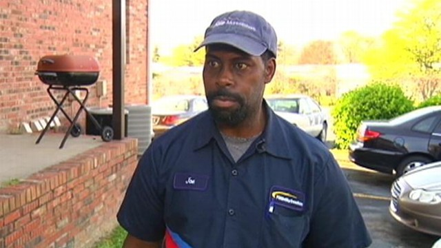 VIDEO: Joe Ellis was collecting cans to recycle when he found the money and bank deposit slips.