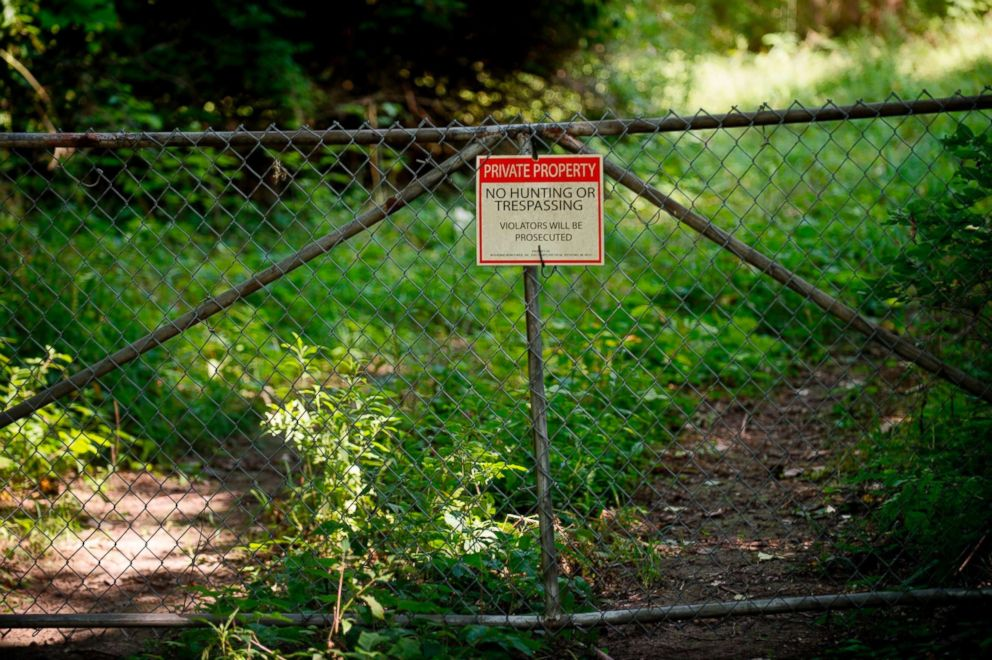 PHOTO: A No trespassing sign is displayed at an old tannery waste dump used by Wolverine World Wide in Belmont, Mich., Aug. 16, 2017.