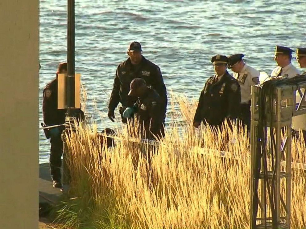 PHOTO: The bodies of two women were found washed up from the Hudson River off the Upper West Side in New York, Oct. 24, 2018.